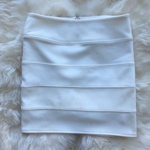 Forever 21 bandage body con mini skirt